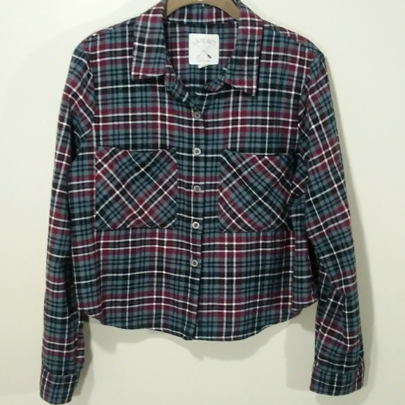 L.A. Hearts Tops - L. A. Hearts cropped plaid flannel shirt size M